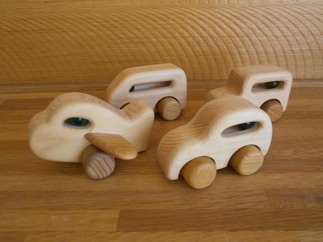 木製のりものセットの画像